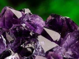 Ametist - cristalul spiritualitatii